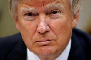 Trump skruer bissen på i kampen for at få sin grænsemur.