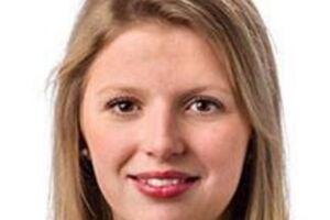 Det 22-årige byrådsmedlem Sonja Marie Nielsen anklager sine politikse kolleger for sexchikane.