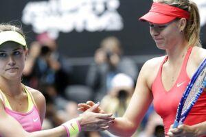 Genie Bouchard (tv.) er ikke fan af Maria Sharapova længere.