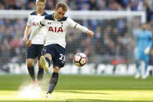 Tottenhams Christian Eriksen leverede to assister mod Chelsea i semifinalen i FA Cup, som Chelsea vandt 4-2.