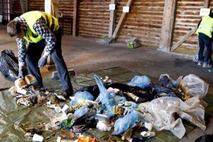 Arkivfoto. Danmarks Naturfredningsforening afholder sin årlige affaldsindsamling her er i i Hobro i 2013.