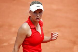 Caroline Wozniacki er videre i Paris.