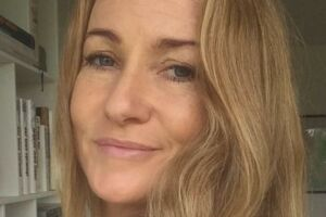 Jane Gissel Olsen har fået skyld for at være en curlingmor, efter hun skrev et kritisk opslag om sin datters dårlige start på Roskilde Festivale på Festivalens Facebookside.