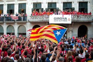 Girona FC fejrer i deres rød-hvide farver oprykningen til La Liga.