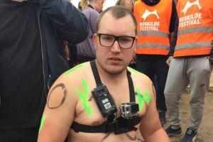 Martin Eibye vandt ikke årets nøgenløb på Roskilde Festival, men han er sikker på, at han havde vundet, hvis hele ruten gik ned ad bakke.