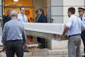 På billedet: Resterne af Salvador Dali er gravet op. Billedet her er fra den 20. juli.