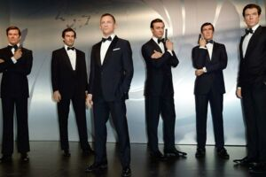 På billedet ses voksfigurer af skuespillerne, der gennem tiderne har spillet rollen som den britiske agent James Bond (Madame Tussauds i Berlin).