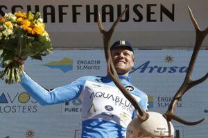 Lasse Norman Hansen vandt bjergtrøjen i Schweiz Rundt tidligere på sommeren. Og et stort gevir.