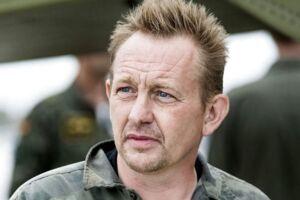 Peter Madsen kort efter, at han kom op fra den sunkede ubåd, hvor han afskaffede Kim Walls lig.