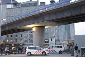 Koncertstedet Maassilo i Rotterdam er blevet evakueret efter en terrortrussel.