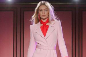 Model Gigi Hadid presents a creation from the Brandon Maxwell Spring/Summer 2018 collection at New York Fashion Week in Manhattan, New York, U.S., September 8, 2017. REUTERS/Andrew Kelly