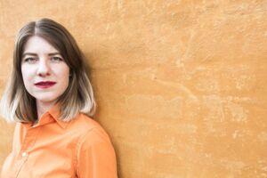 Den unge danske kunstner Cecilie Waagner Falkenstrøm modtager verdens nok mest prestigefyldte digitale kunstpris, THE LUMEN AWARD. Falkenstrøm er især optaget af I Artificial Intelligence og har lavet en robot-stemme a la Siri, som hedder Frank.