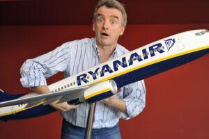 Ryanairs administrerende direktør Michael O'Leary må finde sig i at blive gjort til grin midt i selskabets værste krise, hvor 2100 flyafgange står til at blive aflyst pga. rod i piloternes vagtplaner.