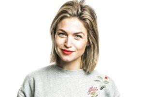 Podcast-deltager Christiane Schaumburg Müller - Skuespiller, danser, tv- og radiovært, deltager i podcast med Ane Cortzen, hvir hun fortæller
