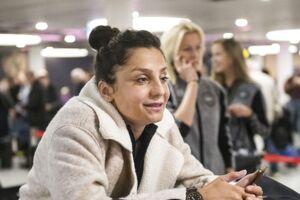 Kvindelandsholdet tjekker ind i Københavns Lufthavn forud for rejsen til Kroatien hvor der spilles kamp på tirsdag. Nadia Nadim.