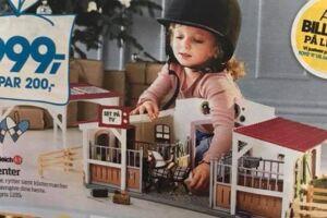 Kunden Klaus Hansen undrer sig over, at Bilka bruger en pigemodel til at reklamere for deres hestelegetøj.