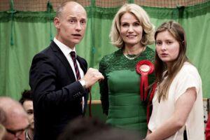 Her Steven Kinnock sammen med Helle Thorning-Schmidt og parrets datter Johanna.