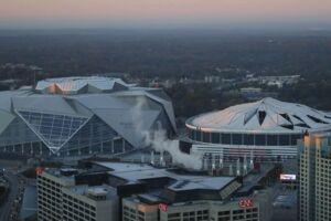 Georgia Dome kort før den blev nedrevet mandag morgen