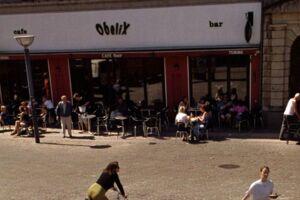 Her ses Cafe Obelix på Vesterbro Torv tilbage i 2001.