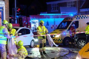 Lørdag aften er en bil kørt ind i en Rema 1000 butik i Aarhus.