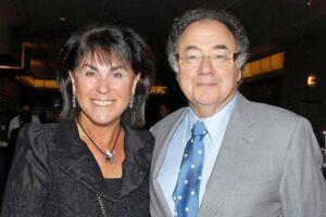 Honey og Barry Sherman blev fundet døde i deres hjem i december. Her ses de i 2010.