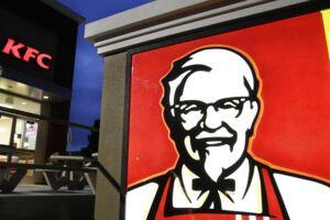 Flere af KFCs restauranter i England er lukket på grund af mangel på kylling