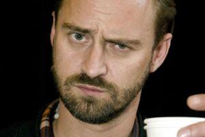 """Jesper """"Jokeren"""" Dahl (f. 1973) er dansk rapper, tekstforfatter og musikproducer."""