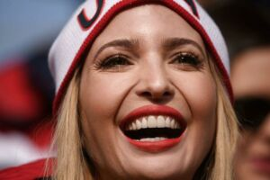 TOPSHOT - US President Donald Trump's daughter and senior White House adviser Ivanka Trump watches the men's four-man bobsleigh event of the Pyeongchang Winter Olympic games at the Olympic Sliding Centre in Pyeongchang on February 25, 2018. / AFP PHOTO / Ed JONES