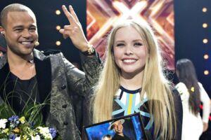 Emilie Esther vandt som bare 15-årig X Factor. Her ses hun med Remee, der var hendes coach i programmet.