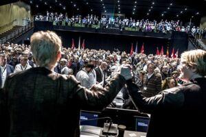 Formand for LO Lizette Risgaard og formand for FTF Bente Sorgenfrey under den stiftende kongres Odeon i Odense, efter at det er offentliggjort, at de to store paraplyorganisationer, LO og FTF rykkes sammen til en stor organisation, fredag den 13. april 2018.