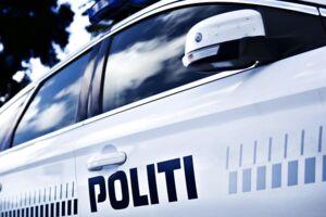 Politiet blev nødt til at rykke ud, da tre unge mennesker lavede en masse tumult ved en taxa.