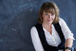 Tidligere LO-næstformand Tine Aurvig-Huggenberger fortæller om sit liv i en ny bog.