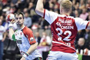 KIFs Bo Spellerberg i kampen mellem Aalborg Håndbold og KIF Kolding København i 888ligaen i Gigantium Arena, Aalborg, 16. december 2017. (Foto: Henning Bagger/Scanpix 2017)