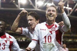 Christian Eriksen (th.) og resten af det danske landshold skal snart i aktion i Rusland.