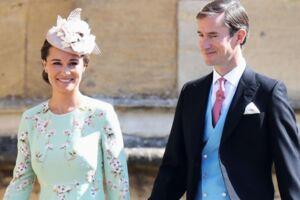 Pippa Middleton og James Matthews ankommer til brylluppet.