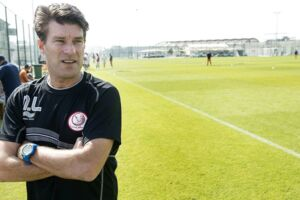 Michael Laudrup stopper som træner i Qatar-klubben Al Rayyan.