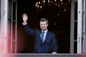 Kronprins Frederik og den kongelige familie vinker fra Amalienborg Slot i anledning af Kronprinsens 50 års fødselsdag, lørdag den 26 maj 2018