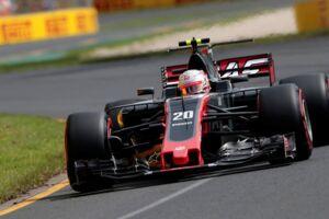 Kevin Magnussen i sin Haas-racer,