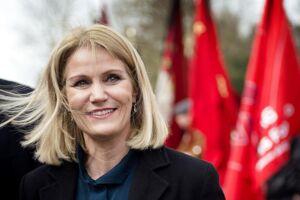 »Som Danmarks første kvindelige statsminister hjalp Thorning-Schmidt med at styre landet gennem finanskrisen. I dag, i sit drømmejob, arbejder hun med godgørenhed med et budget på over 2 mia. dollar som når ud til 55 mio. børn i 120 lande,« skriver det amerikanske medie Fortune om Helle Thorning-Schmidt.