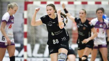 København Håndbold er i finalen i Primo Tours Ligaen efter 2. Semifinale i Frederiksberg-Hallerne mod FCM Håndbold. Her jubler Ronja H. Johansen.
