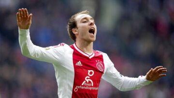 Christian Eriksen ses her i Ajax-trøjen. Sportsdirektør Marc Overmars fremhæver ham som et godt eksempel på en Ajax-spiller, der kom videre og fik stor succes.