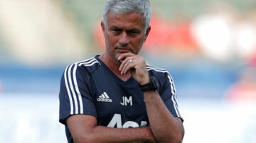 Soccer Football - Manchester United vs Los Angeles Galaxy - Pre Season Friendly - Los Angeles, USA - July 15, 2017 Manchester United manager Jose Mourinho before the match REUTERS/Lucy Nicholson