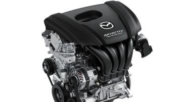 Den nye SkyActiv-X-benzinmotor fra Mazda kan revolutionere bilindustrien med et, for en benzinmotor, meget lavt forbrug. Forbruget skulle endda være sammenligneligt eller lavere end i en dieselmotor. Billedet viser en af Mazdas nuværende benzinmotorer, da den nye endnu ikke har haft premiere