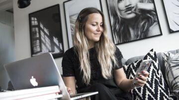 Bloggeren Emily Salomon. Pandora bruger i stigende grad bloggere til at promovere deres smykker.