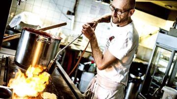 Henrik Boserup startede selv Juicy Burger. Nu er han trådt fra som direktør, men skal i stedet bruge sine kræfter på at udvikle konceptet i burgerkæden, der foreløbig tæller to restauranter i København.
