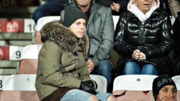 AaB's østrigske spiller, Marco Meilinger, så med fra sidelinien, da holdkammeraterne tabte Superliga-kampen mod FC Midtjylland 0-1.