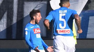 Dries Mertens blev matchvinder for Napoli i 1-0-sejren ude over Atalanta. Reuters/Alberto Lingria