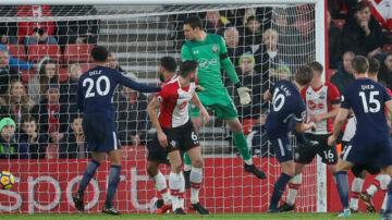 Harry Kane scorede til 1-1, men misbrugte også en stor chance i slutfasen. Reuters/David Klein