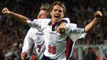 England striker Michael Owen scores against Romania in a World Cup finals match in Toulouse June 1998. KM
