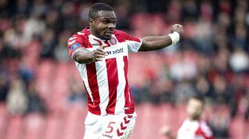 Jores Okore var ikke tilfreds med kampens dommer søndag aften.